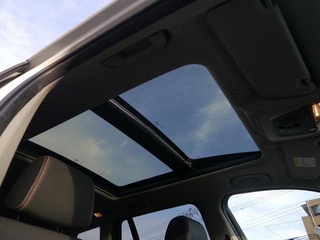 稀少オプション・パノラマガラスサンルーフ装着車輌です。室内が明るくなり、開放感がアップします。