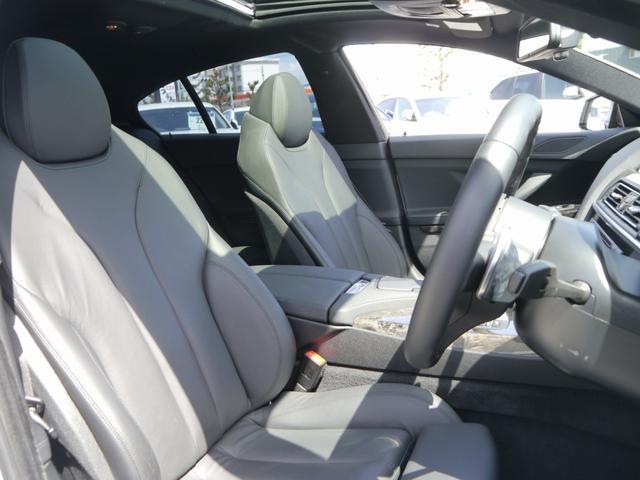 純正オプションヒーター付フルブラックレザー電動スポーツシート!メモリー&ランバーサポート対応!嬉しいシートヒーティング機能付き!