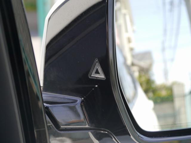 レーンチェンジウォーニング装備!インテリジェントセーフティ機能付き!安全装備の車線逸脱警告や衝突被害軽減ブレーキ歩行者検知警告機能も備える一台で御座います!
