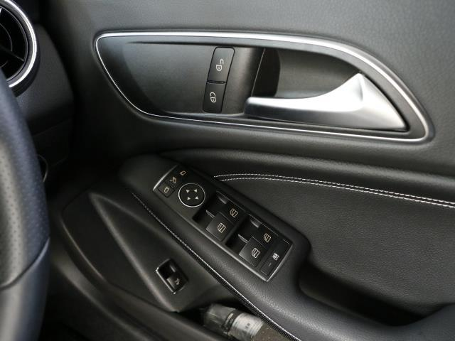 メルセデス・ベンツ M・ベンツ CLA180 シューティングブレーク AMGスタイル
