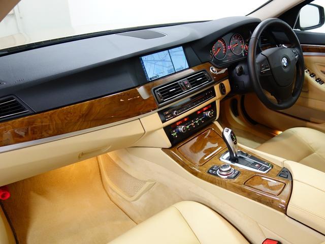 BMW BMW 528i 17AW SR クルコン 地デジ Rカメラ AUX