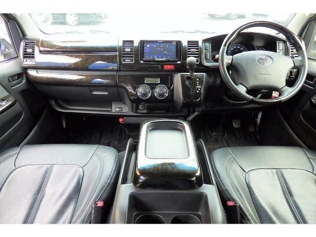トヨタ レジアスエースバン 2.0 スーパーGL ロングボディ 新品18AW 新品テール