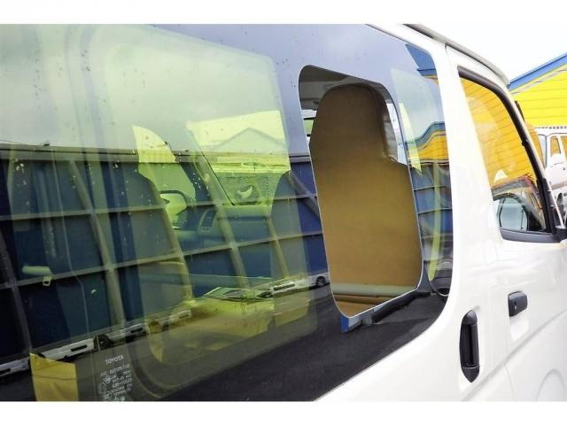 トヨタ ハイエースバン 2.0 DX ロング 床張り シートカバー イエローフィルム
