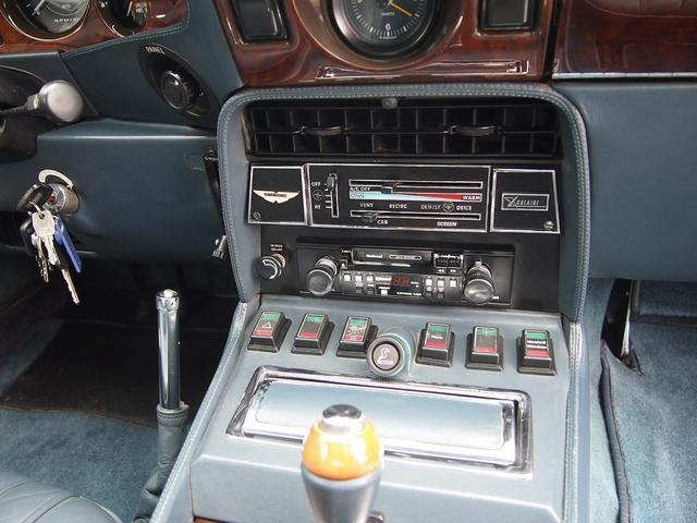 「アストンマーティン」「V8」「クーペ」「東京都」の中古車19