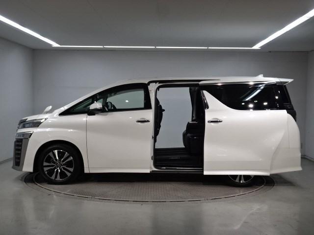 2.5Z Gエディション 7,699Km 大型ナビTV 後席ディスプレイ 衝突被害軽減システム 踏み間違い防止ブレーキ シートヒーター シートエアコン ETC 両側電動ドア 新車保証継承 ドライブレコーダー(2枚目)