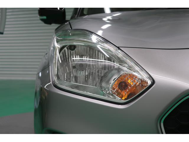 ヘッドライトは標準仕様にハロゲンタイプです