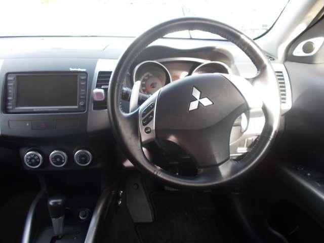 三菱 アウトランダー G  4WD HDDナビ