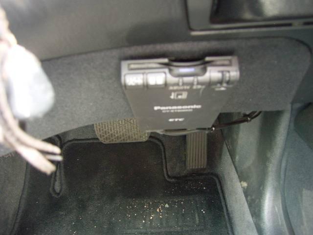 メルセデス・ベンツ M・ベンツ E320 レザーシート 18アルミ HID ETC CD