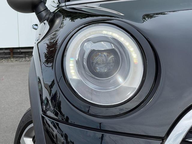 クーパーS セブン 特別仕様車『SEVEN』 専用インテリア ハーフレザーシート 専用17インチアルミ  クルーズコントロール HDDナビ バックカメラ ブラックヘッドライトリング ユニオンジャックテールライト(30枚目)
