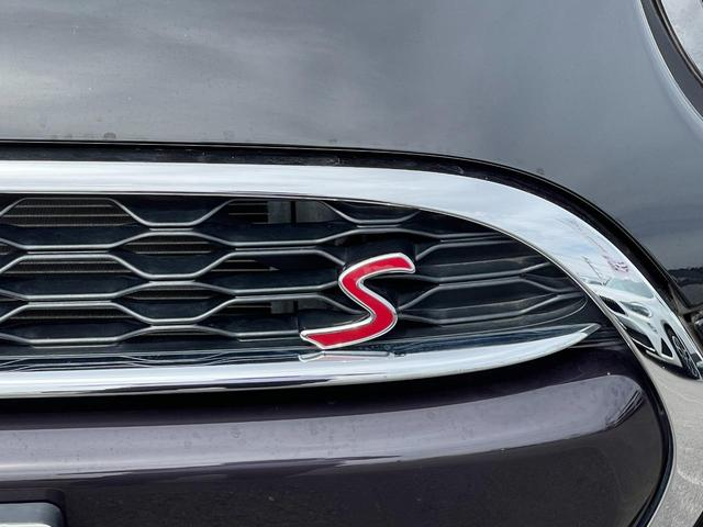 クーパーS セブン 特別仕様車『SEVEN』 専用インテリア ハーフレザーシート 専用17インチアルミ  クルーズコントロール HDDナビ バックカメラ ブラックヘッドライトリング ユニオンジャックテールライト(34枚目)