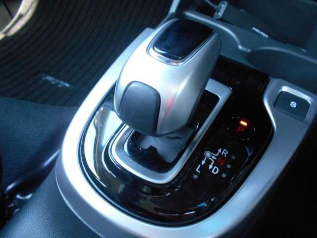 L ホンダセンシング 認定中古車 デモカー 試乗車 ドライブレコーダー 純正メモリーナビ バックカメラ フルセグテレビ ブルートゥース USB入力端子 ETC LEDヘッドライト スマートキー(13枚目)