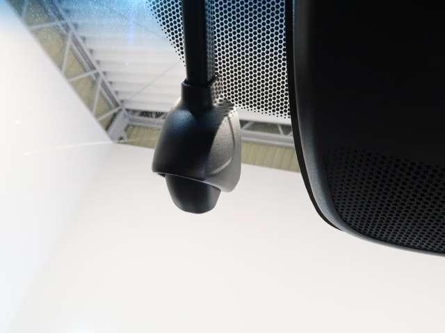 ハイブリッドZ・ホンダセンシング Honda認定中古車2年保証付 デモカー 衝突被害軽減ブレーキ アダプティブクルーズ ドライブレコーダー メモリーナビ フルセグTV バックカメラ ワンオーナー車 純正アルミホイール シートヒーター(5枚目)