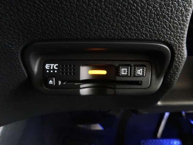 ハイブリッドZ・ホンダセンシング Honda認定中古車2年保証付 デモカー 衝突被害軽減ブレーキ アダプティブクルーズ ドライブレコーダー メモリーナビ フルセグTV バックカメラ ワンオーナー車 純正アルミホイール シートヒーター(11枚目)