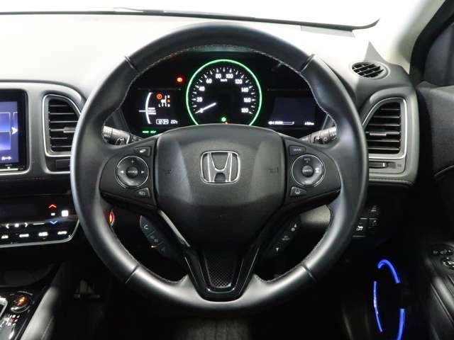 ハイブリッドZ・ホンダセンシング Honda認定中古車2年保証付 デモカー 衝突被害軽減ブレーキ アダプティブクルーズ ドライブレコーダー メモリーナビ フルセグTV バックカメラ ワンオーナー車 純正アルミホイール シートヒーター(12枚目)
