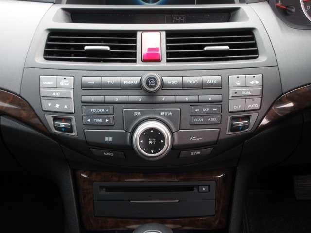 35TL Honda認定中古車 ナビ ワンセグTV バックカメラ 電動サンルーフ ディスチャージヘッドライト 本革シート シートヒーター スマートキー セキュリティアラーム ETC車載器 ワンオーナー車(8枚目)