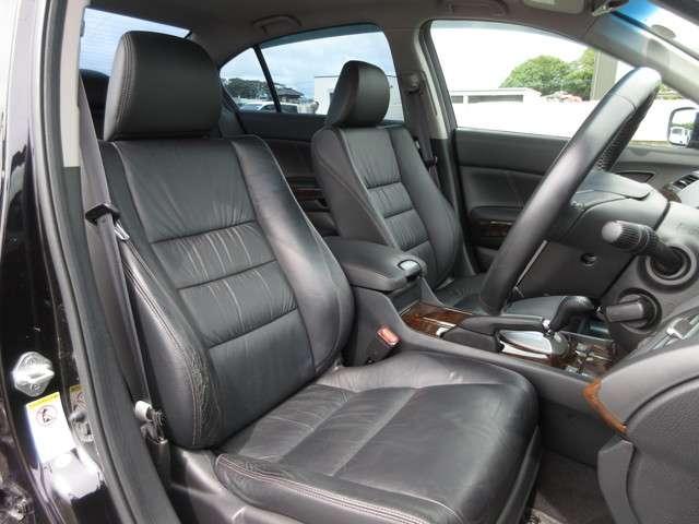 35TL Honda認定中古車 ナビ ワンセグTV バックカメラ 電動サンルーフ ディスチャージヘッドライト 本革シート シートヒーター スマートキー セキュリティアラーム ETC車載器 ワンオーナー車(10枚目)