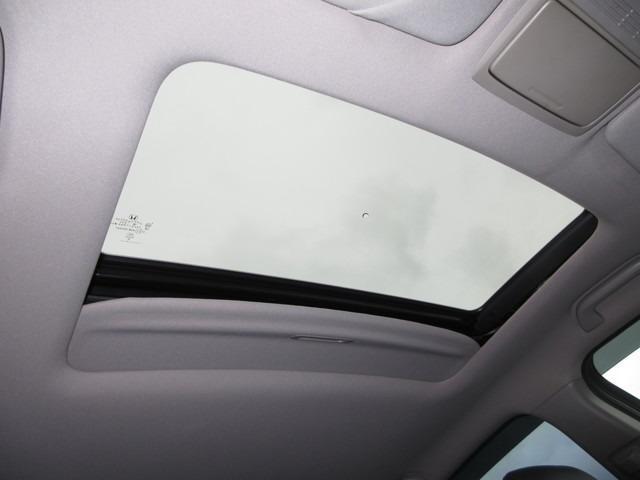35TL Honda認定中古車 ナビ ワンセグTV バックカメラ 電動サンルーフ ディスチャージヘッドライト 本革シート シートヒーター スマートキー セキュリティアラーム ETC車載器 ワンオーナー車(13枚目)