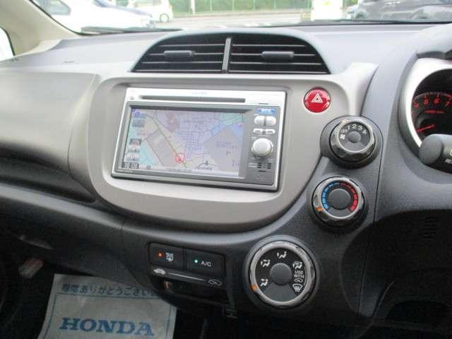 エアコン付き!車内を快適な温度に保ってくれます。