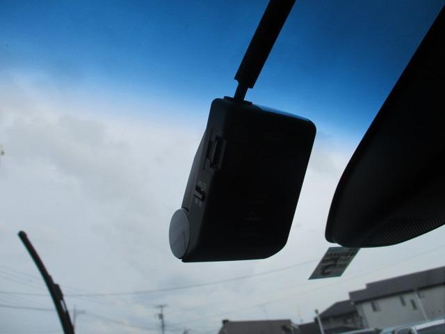 ハイブリッドアブソルート・EXホンダセンシング 試乗車(8枚目)