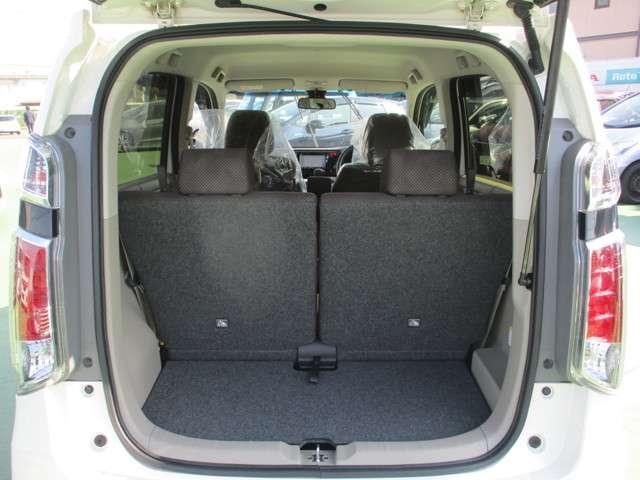 コンパクトカーながら荷台スペースもしっかり確保されています。