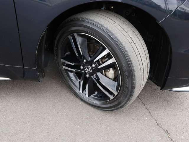 ハイブリッドアブソルート・ホンダセンシングEXパック 認定中古車 衝突被害軽減ブレーキ アダプティブクルーズコントロール ドライブレコーダー メモリーナビ フルセグTV バックカメラ ETC オットマン 純正アルミ 両側電動スライドドア(20枚目)