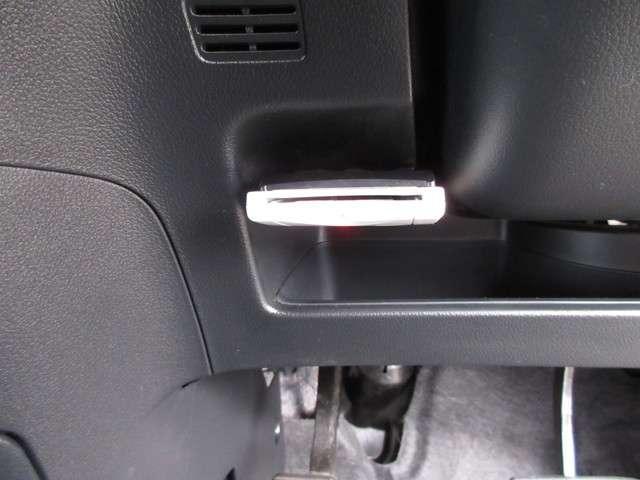 G・ターボパッケージ 認定中古車 4WD バックカメラ メモリーナビ フルセグTV 純正アルミホイール ワンオーナー 両側電動スライドドア スマートキー ETC ディスチャージドランプ オートライト(11枚目)
