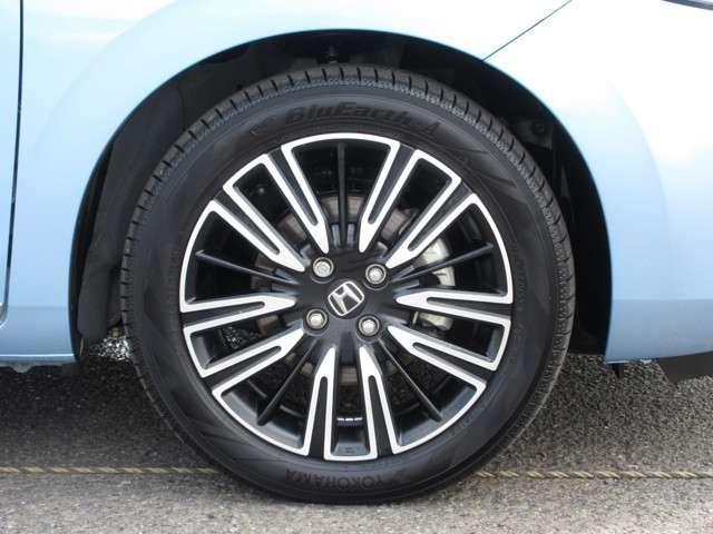 リュクス 2年保証付 デモカー 衝突被害軽減ブレーキ クルーズコントロール ドラレコ メモリーナビ Bカメラ 純正アルミ LEDヘッドライト ETC シートヒーター スマートキー ワンオーナー車(20枚目)