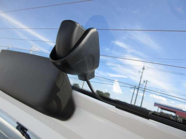 e:HEVホーム 年保証付 デモカー 衝突被害軽減ブレーキ アダプティブクルーズコントロール ドラレコ メモリーナビ Bカメラ フルセグ 純正アルミ LEDヘッドライト オートライト ETC スマートキー ワンオーナー(12枚目)