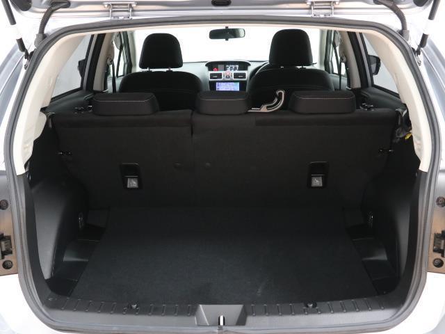 2.0iアイサイト 4WD フルセグ メモリーナビ バックカメラ 衝突被害軽減システム ETC HIDヘッドライト ワンオーナー DVD再生 ミュージックプレイヤー接続可 記録簿 安全装備 オートクルーズコントロール(16枚目)