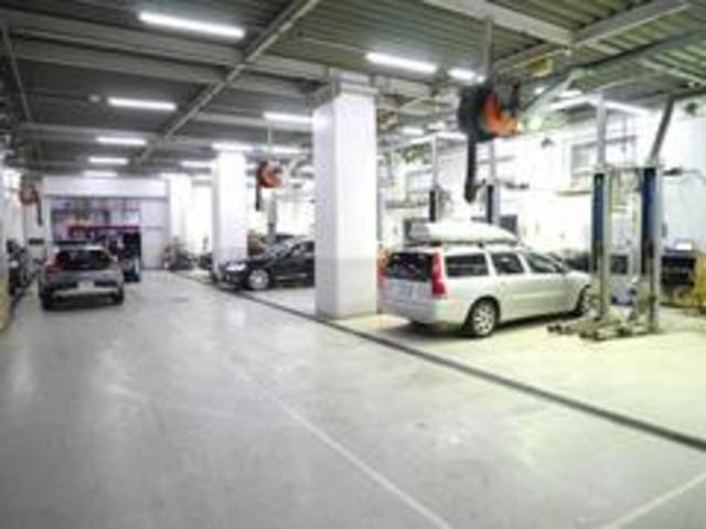 ボルボの整備のために設計されたサービス工場で、スピーディに整備を実施します。