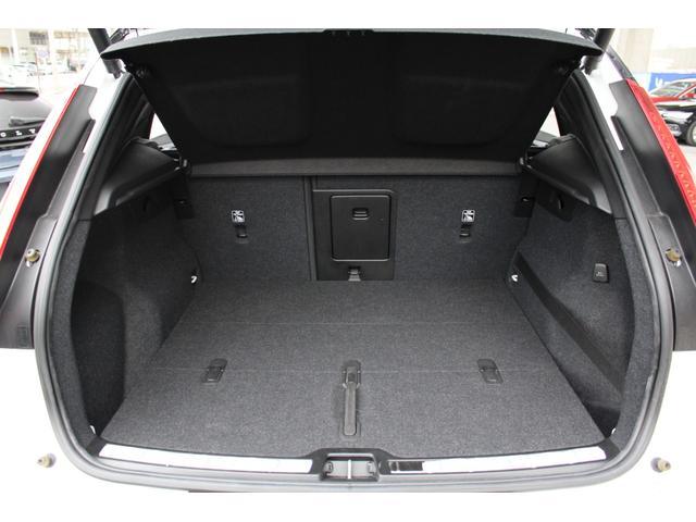 SUVならではの広いラゲッジルーム。オプションの電動テールゲートを装備。