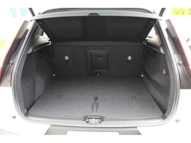 SUVならではの高さに余裕があるラゲッジルーム。