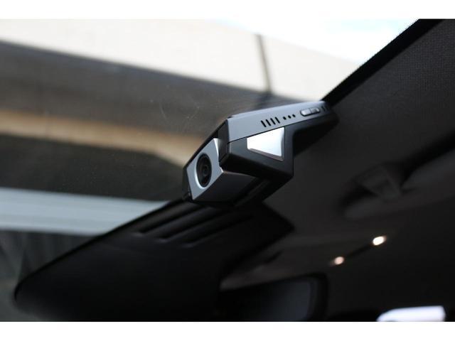ボルボ純正のドライブレコーダーを装備。オプションで前後撮影タイプもございます。