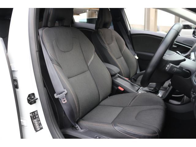 ウェットスーツと同じ素材のT-Tec/テキスタイルコンビネーションシートを装備。