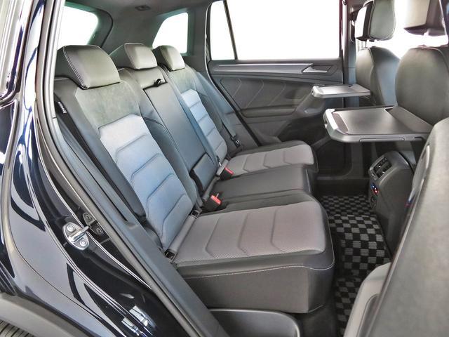 サイドウインドウ全体を覆う「カーエンエアバッグ」を含む合計9個のエアバッグを標準搭載。定評ある高剛性ボディと相まって優れた乗員保護性能を備えたSUVです。