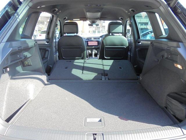 後席を両方倒せば、ラゲージスペースはここまで拡大可能です。