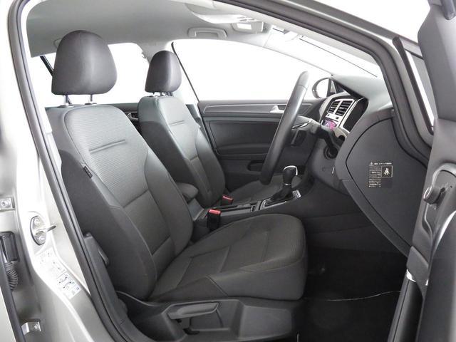 コンフォートラインには、掛け心地が良くて乗り降りもし易いコンフォートシートを標準採用。