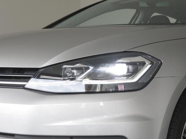 コンフォートライン テックエディションには「LEDヘッドライトパッケージ」を特別標準装備。