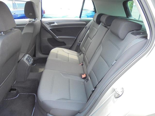 サイドウインドウ全体を覆うカーテンエアバッグを含む 合計9個のエアバッグを標準搭載。