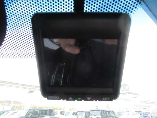 ハイブリッドZ・ホンダセンシング ナビTV ドラレコ Fシートヒーター LEDライト ETC フロントシートヒーター オートライト クルーズコントロール オートリトラミラー スマートキー 純正17インチアルミホイール(4枚目)