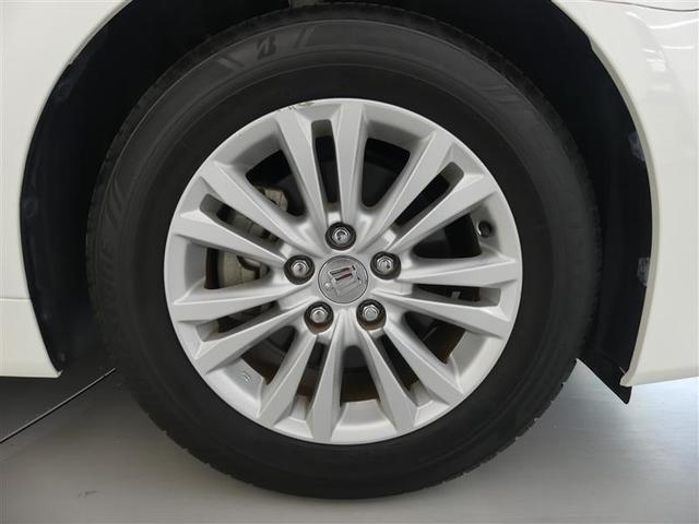タイヤは215/60R-16