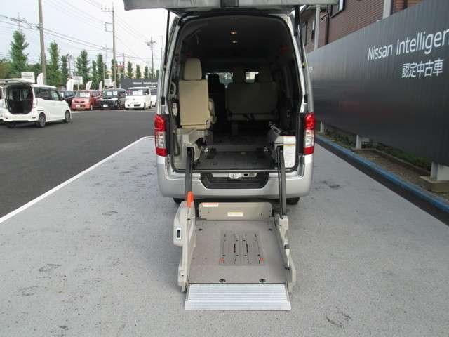 2.5 DX スーパーロングボディ ハイルーフ チェアキャブ 全自動リフター 車イス2台(7枚目)
