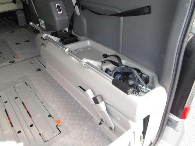 2.5 DX スーパーロングボディ ハイルーフ チェアキャブ 全自動リフター 車イス2台(10枚目)