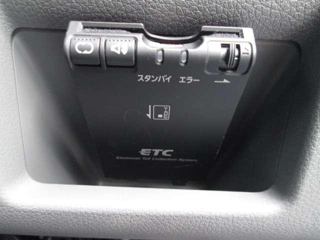 2.5 DX スーパーロングボディ ハイルーフ チェアキャブ 全自動リフター 車イス2台(16枚目)