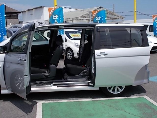 トヨタ アイシス プラタナVセレクション 両側電動スライド フルセグHDDナビ