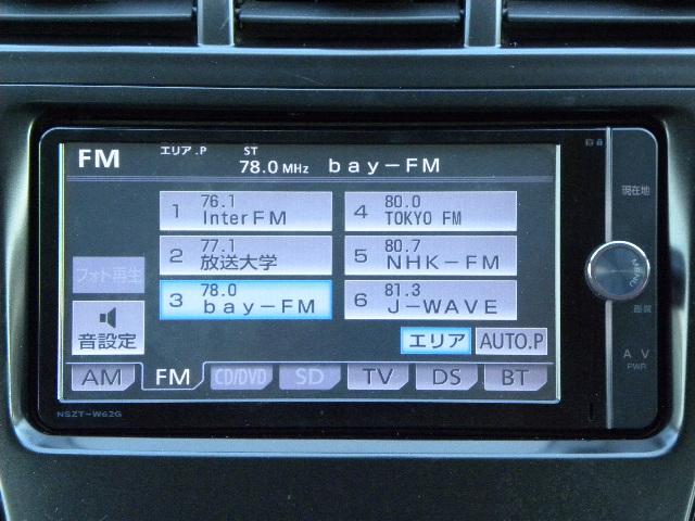 純正SDナビ搭載。フルセグ地デジTV、CD→SD録音、DVD、CD、Bluetooth等内蔵。