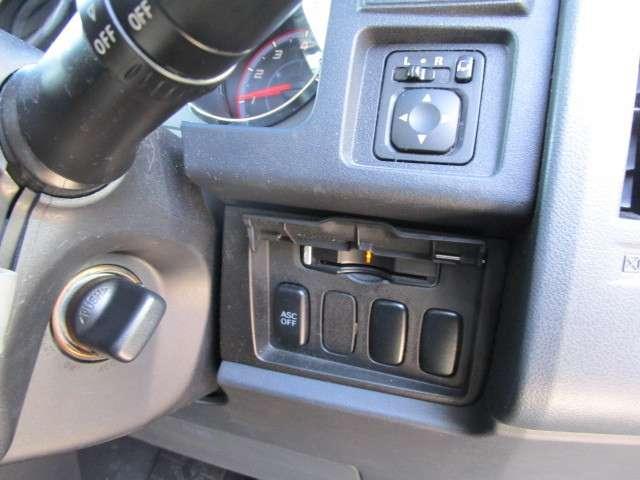 2.4 G ナビパッケージ 4WD 後席モニター(15枚目)