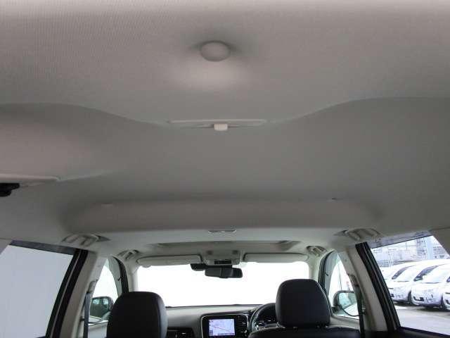 Gプラスパッケージ 2.4 4WD 電気温水 サンルーフ SDナビ フルセグTV 100VAC電源 全方位カメラ(12枚目)