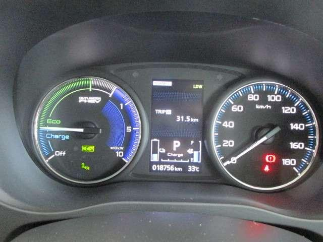 Gプラスパッケージ 2.4 4WD 電気温水 サンルーフ SDナビ フルセグTV 100VAC電源 全方位カメラ(16枚目)
