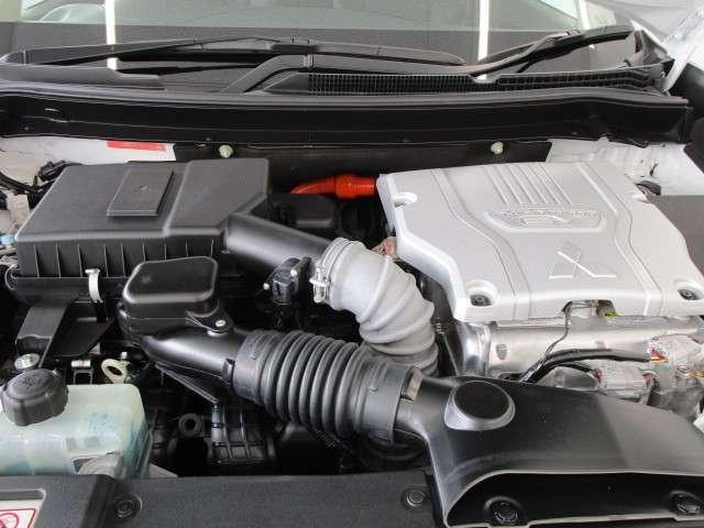 Gプラスパッケージ 2.4 4WD 電気温水 サンルーフ SDナビ フルセグTV 100VAC電源 全方位カメラ(17枚目)